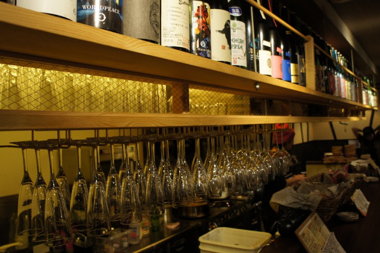 3 types of glasses are used to serve sake.